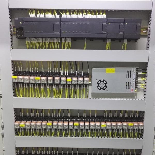 标准化弱控制柜